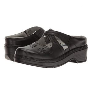 Klogs Carolina Black Mule Slip-Ons, Size 7